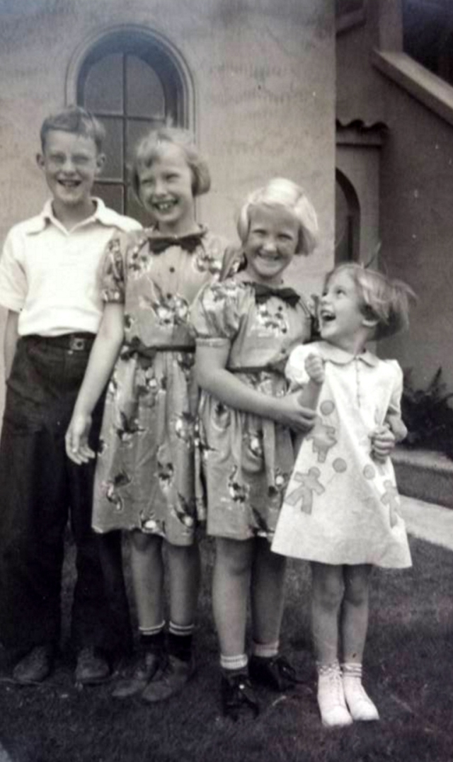 Bill, Nancy Jean Davis, Alice, and Barbara.jpg
