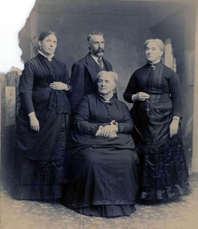 Elvira, Charles, Eliza and sitting Cynthia Maria Coleman