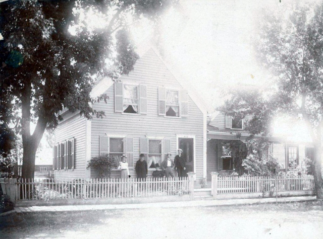G. D. Coleman House, Ammi Coleman (dark suit), AH Russell, Molly Woods Coleman (seated), GD Coleman, Lucy Coleman Russell, Anoka, MN 1900