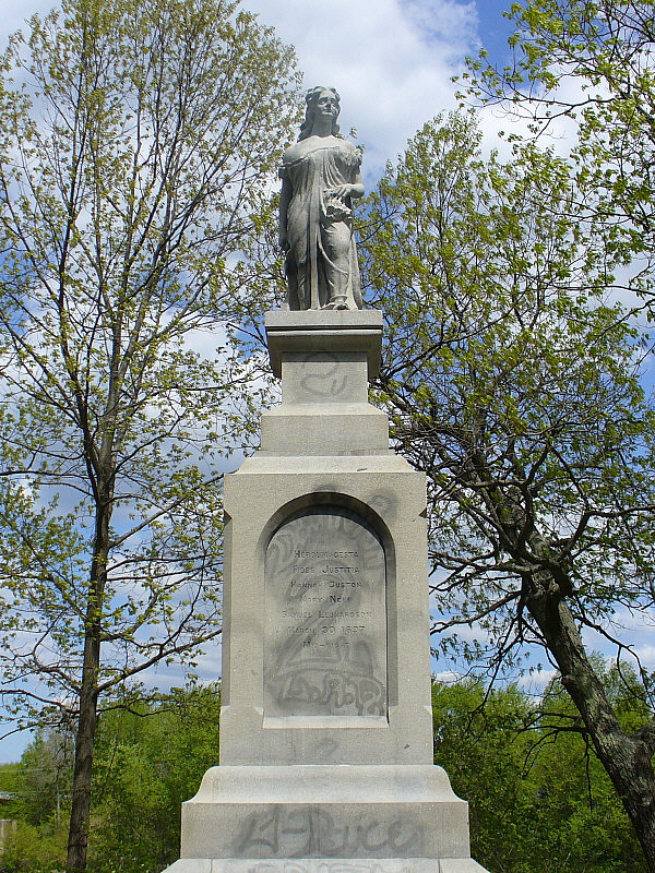 Hannah Dustin Statue Penacook New Hampshire