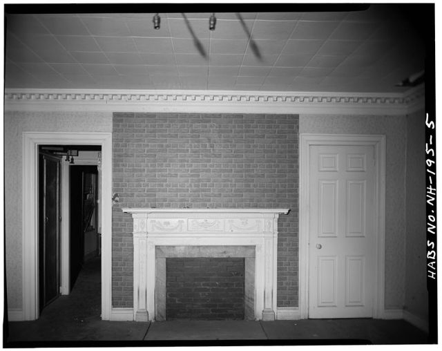 Parlour front west side of first floor, looking north. Note Federal mantelpiece and denticulated cornice