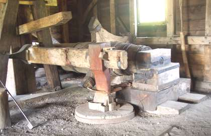 Working Forge Hammer at Saugus Ironworks (cover your ears!)