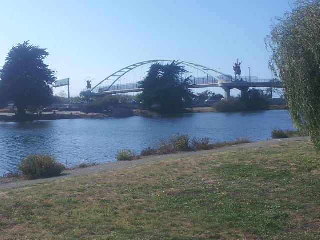 Berkeley Bike and Ped Bridge from Aquatic Park