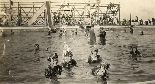 1915 Coronado